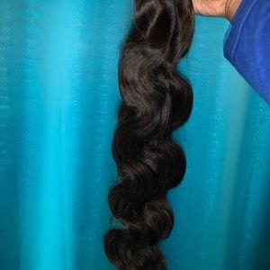 I sell hair and closures 🥰